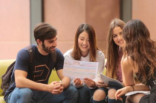 Australia-is-a-leading-education-destination_500x330.jpg
