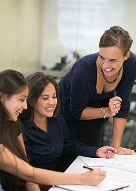 EnglishClass_TeacherStudent_270x380.jpg