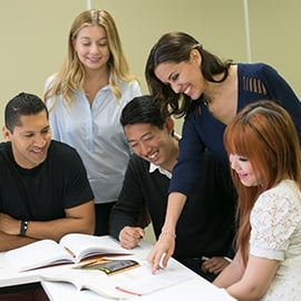 EnglishCourses_Students_270x270.jpg